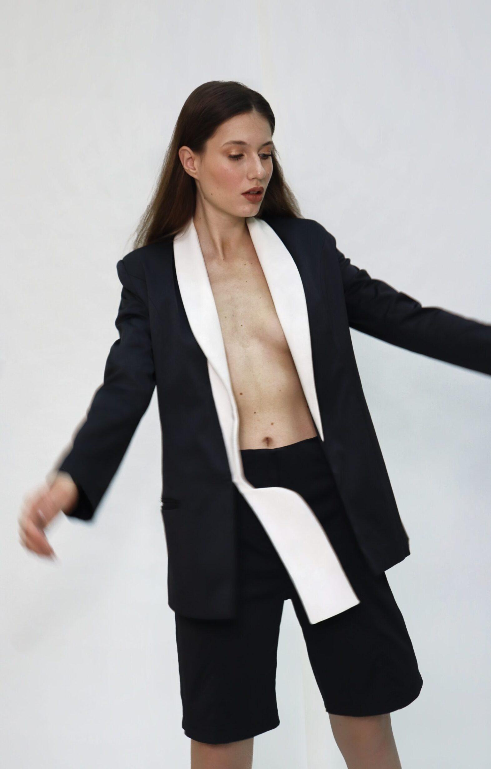 Bw Suit